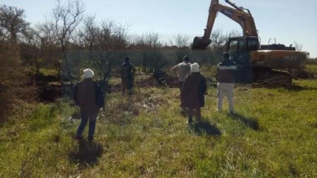 Largas zanjas. Los especialistas marcaron el modo de ejecutar las excavaciones.