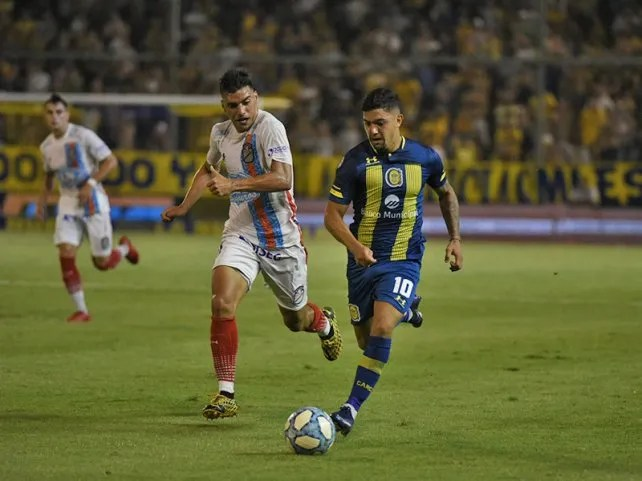 Union is  Attentive to the negotiation, since Rosario Central still has a significant debt.
