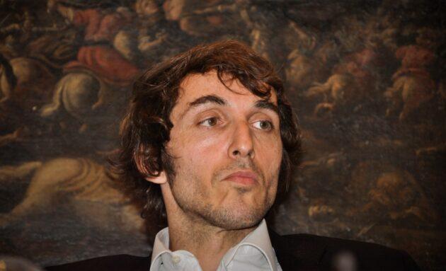 Chi è Giuseppe Cruciani: carriera, vita privata e curiosità sul giornalista
