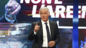 """Massimo Giletti lascia La7, l'annuncio a """"Non è l'Arena"""": indiscrezione """"bomba"""" sul suo futuro"""