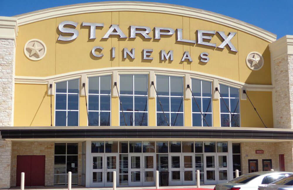 Cinémas Starplex @Royal_Window / Twitter.com