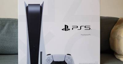 The PS5 box includes instructions on how to transfer data from PS4 to PS5