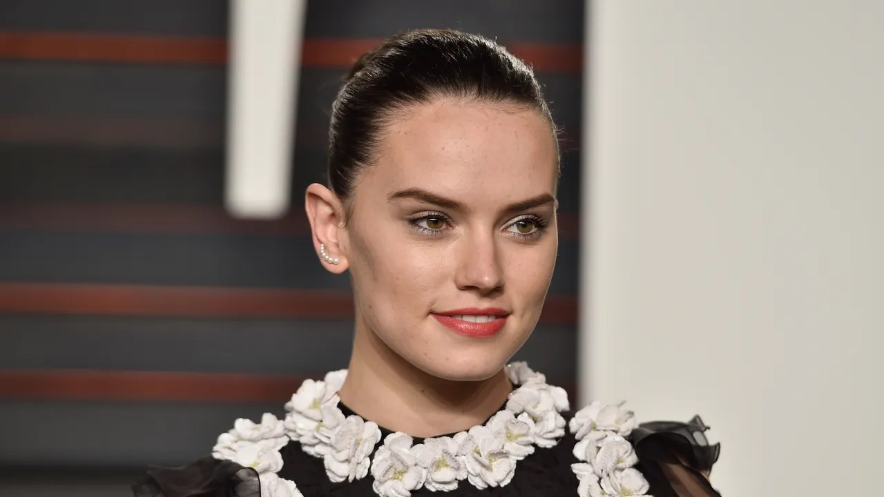 "Daisy Ridley Says She Will ""Not Apologize for How She ..."