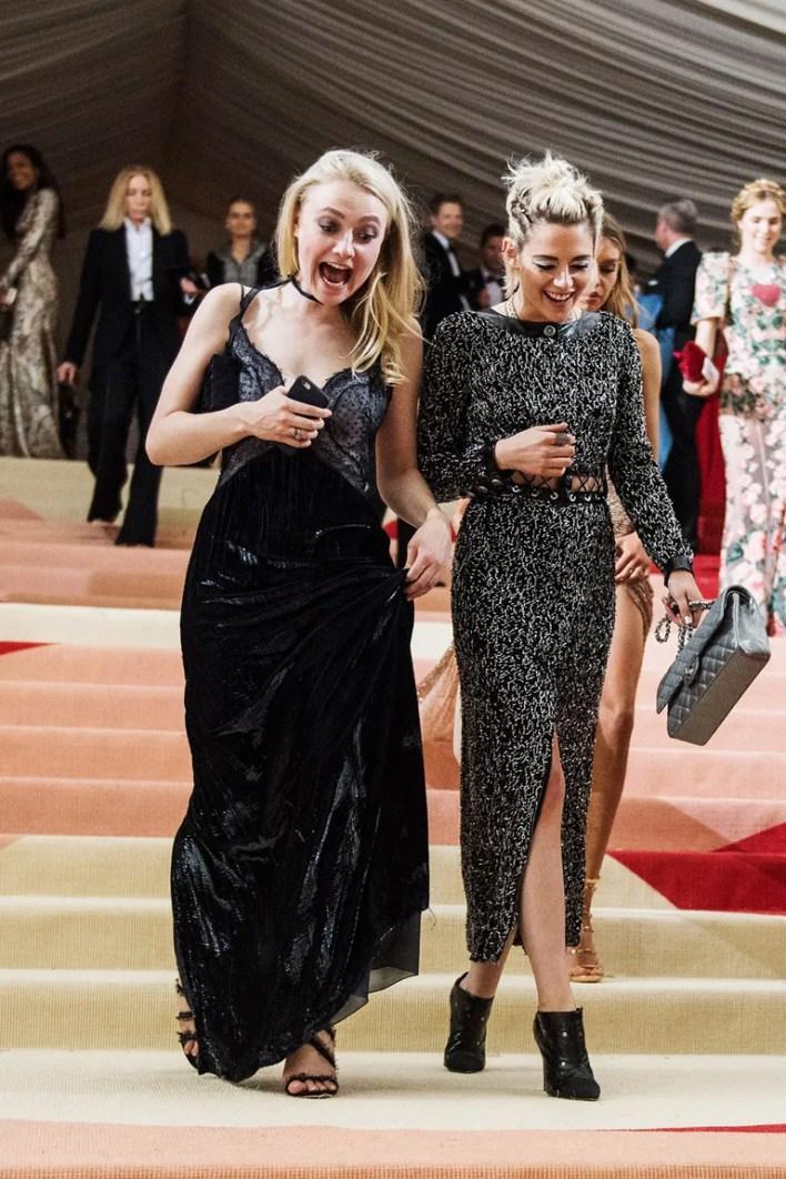 __Kristen Stewart and Dakota Fanning__