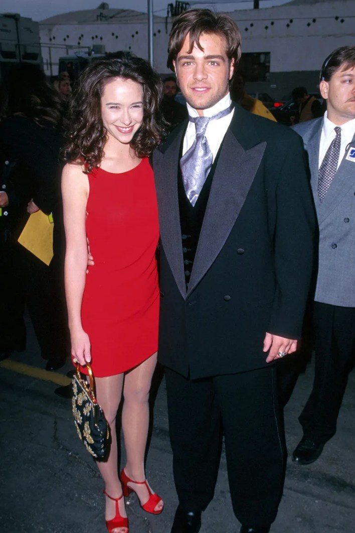 <strong>Jennifer Love Hewitt and Joey Lawrence</strong>