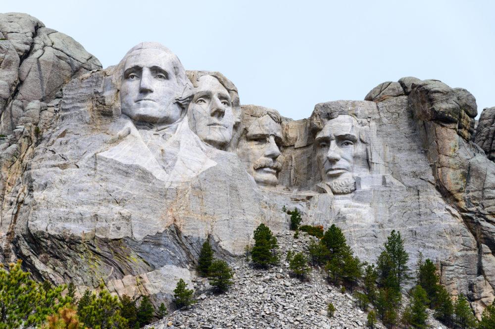 sevärdheter i South Dakota, saker att göra i South Dakota, sevärdheter i USA, kända berg i USA, gubbar i berg