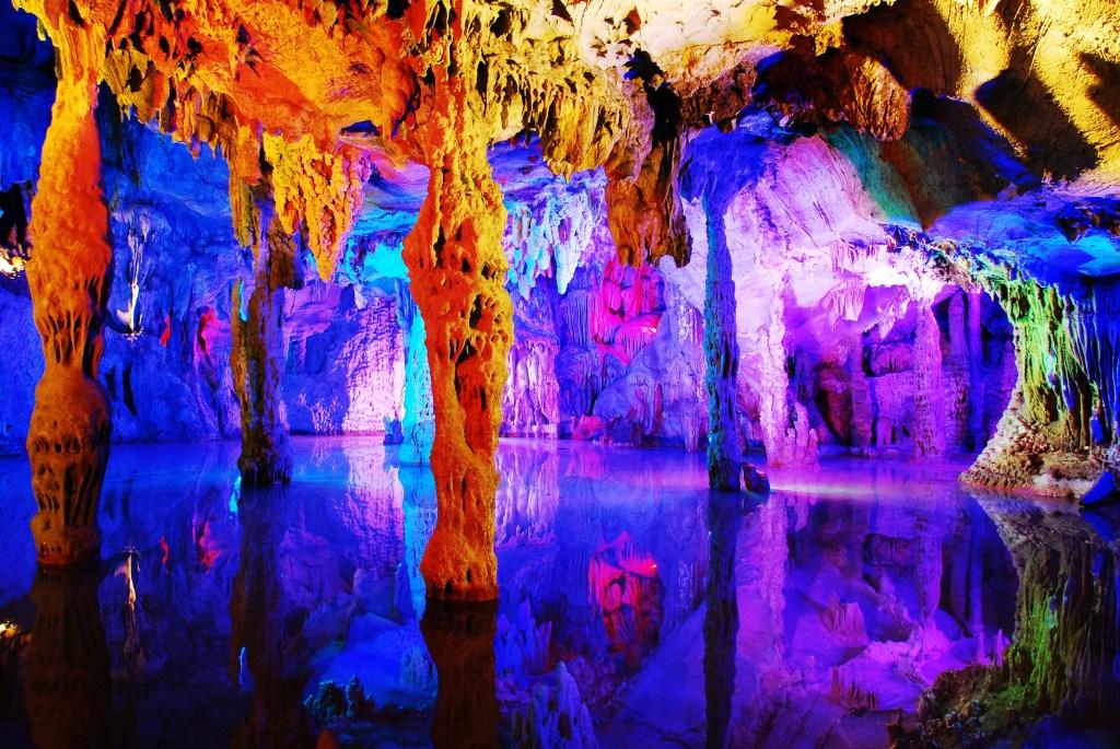 resa, resor, resa till Kina, Kina-resa, grottor i Kina, Rörflöjtsgrottan, kalkstensgrottor