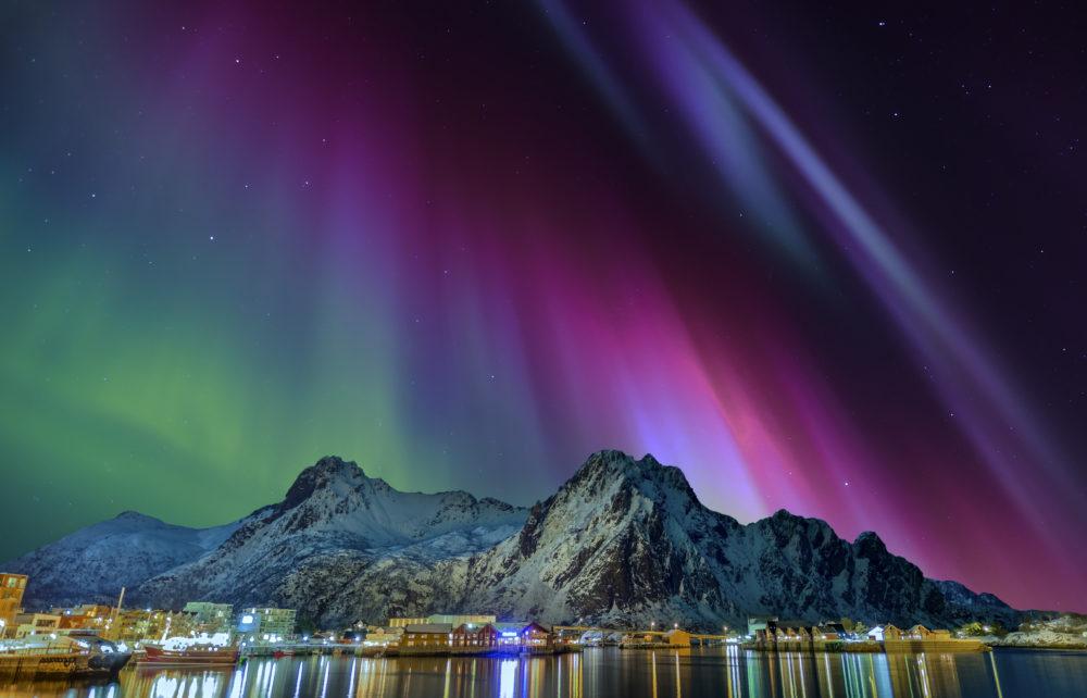 resa till Lofoten i Norge, resor till Lofoten i Norge, se norrsken i Lofoten, Lofotenöarna, vinter i Lofoten, staden Svolvaer
