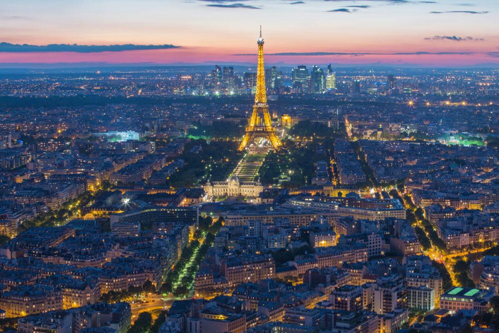 resor, resa, Paris, Frankrike, Eiffeltornet, sevärdheter i Paris, saker att göra i Paris, så byggdes Eiffeltornet, fakta om Eiffeltornet, Eiffeltornets historia, Eiffeltornet på kvällen, Eiffeltornet på natten