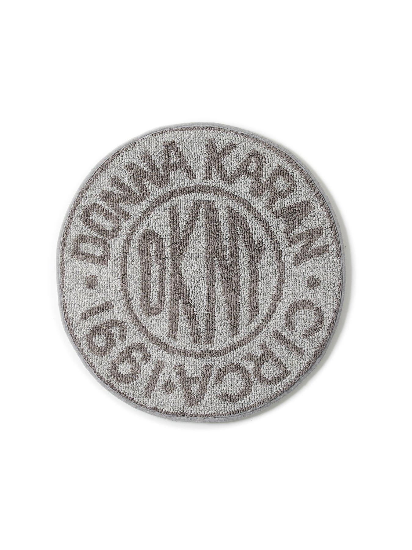 circle logo bath mat