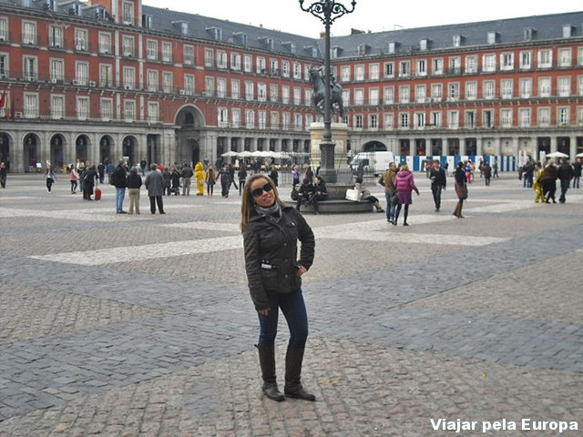 Passeio na Plaza Mayor, inverno 2011.