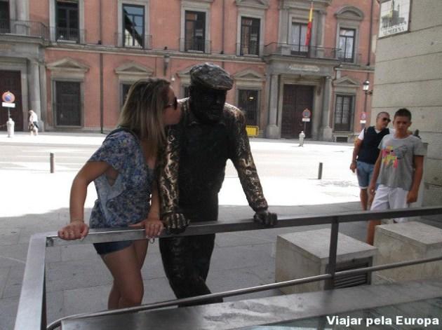 Estátua a caminho para o Palácio Real, Madrid.