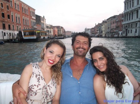 Passeio de barco em Veneza com o Jacop - Surfer que nos hospedou na cidade.