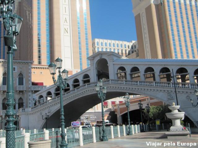 Réplica da Ponte de Rialto em Vegas.