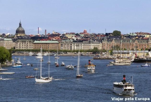 Barcos no arquipélago de Estocolmo. Foto por - Erik G. Svensson