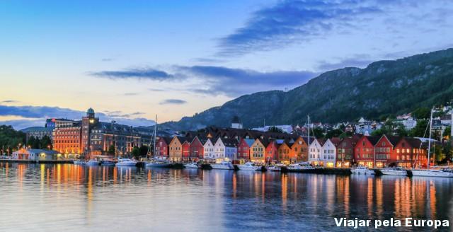 A encantadora Bergen - Noruega. Foto por: Bergen-Reiselivslag-Girish-Chouhan-visitBergen.com