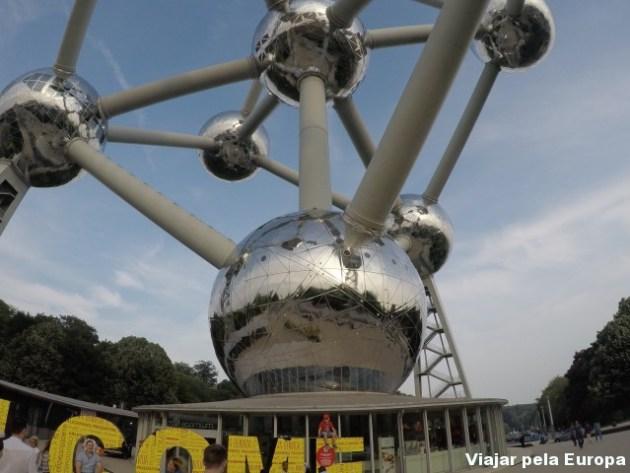 O incrível Atomium de Bruxelas.