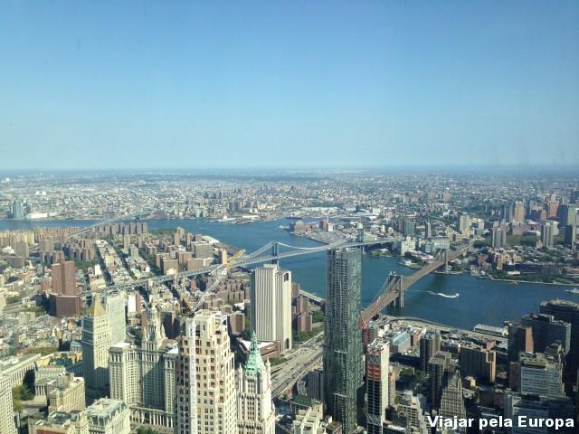 Brooklyn Bridge vista do One World Observaty! Uma das vistas mais lindas de Nova York!