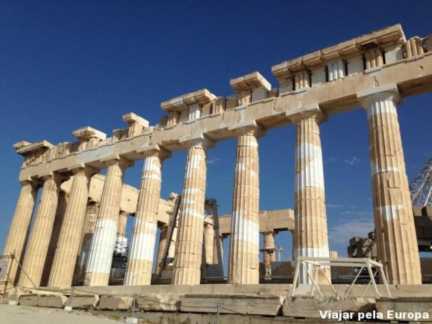 O grandioso Pathernon, templo da deusa Athena.