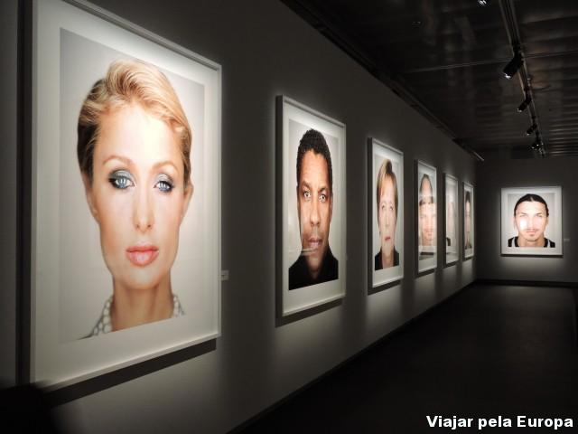 Close up - Exposição de Martin Schoeller no Fotografiska. Foto por: Vanessa Passos.