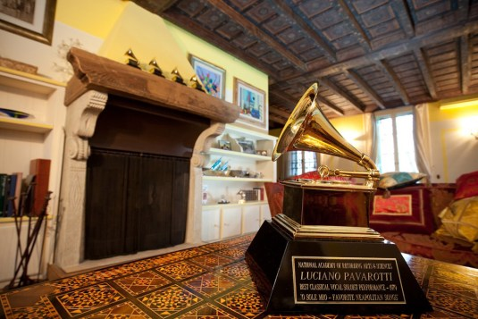 pavarottis-house-modena-gisele-almeida