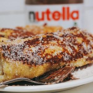 French toast roll ups med nutella och jordgubbar- även kallade fattiga riddare