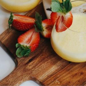 Banan och passionsfrukt smoothie