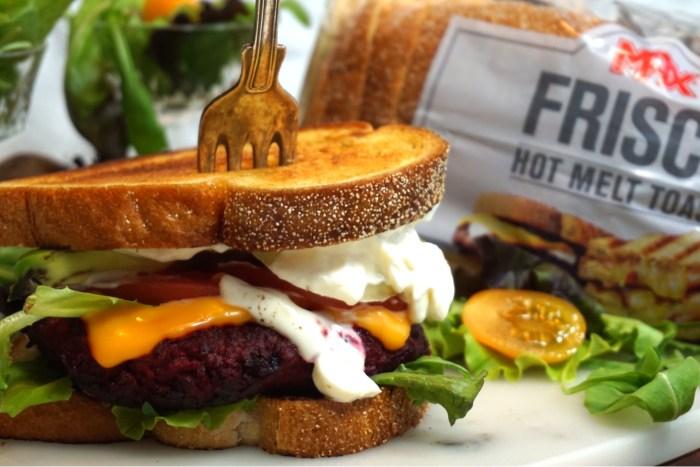Meat Beet Burger på Frisco Hot Melt Toast