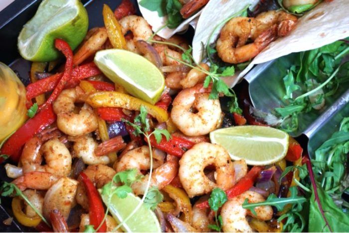 One pan shrimp fajitas