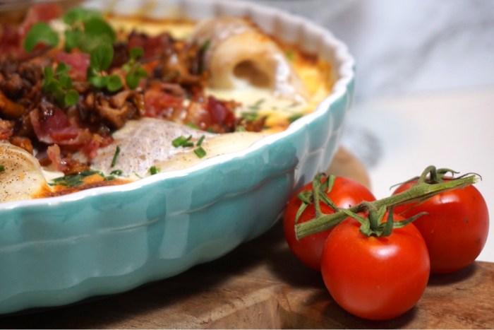 Torskgratäng med krämig kantarellsås och bacon