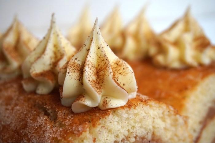 Rulltårta med äpple och kanelfrosting