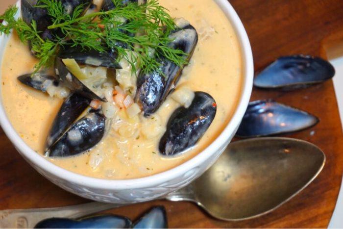 Fisk och skaldjurssoppa med färska musslor