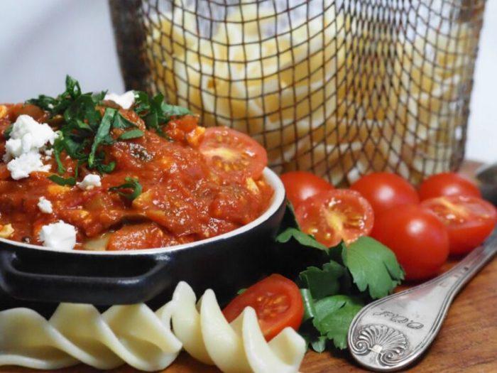 Mustig tomatpastasås