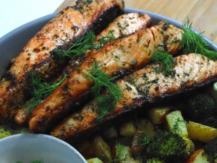 Stekt dillax med rostad broccolipotatis