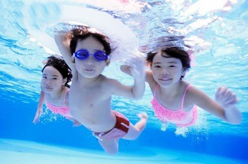 Bé gái 8 tuổi hôn mê sâu, suy hô hấp vì đuối nước trong bồn tắm  - ảnh 2