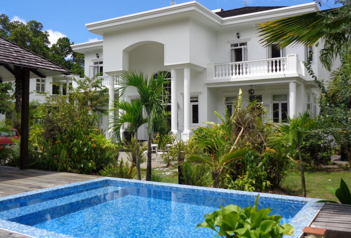 2 Bedroom Luxury Villa With Pool In Beau Vallon Beach
