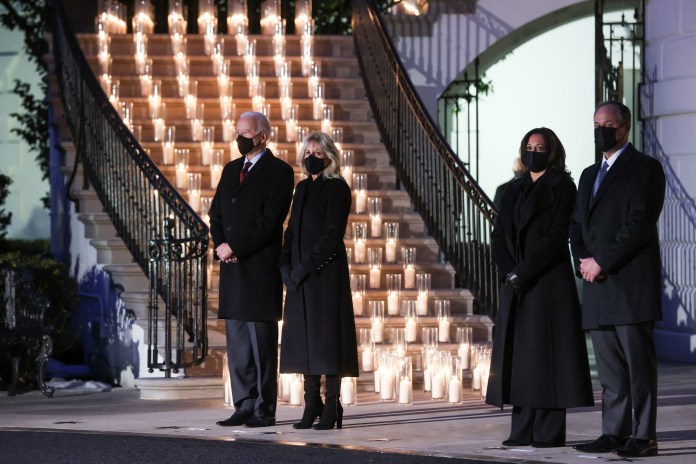 The White House lit 500 candles in honor of the deceased patients