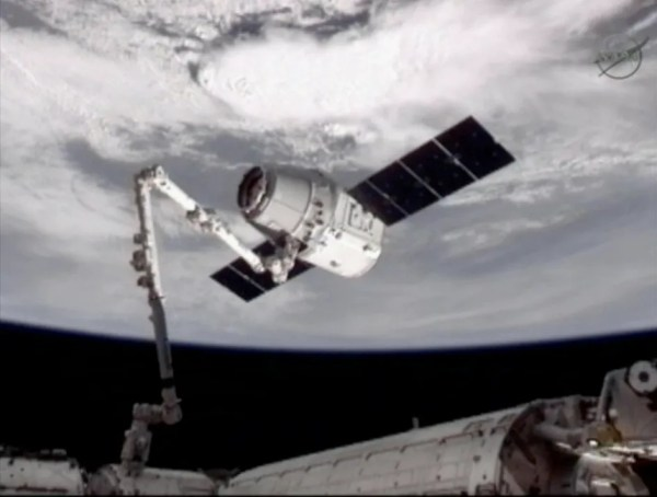 ISS Welcomes SpaceX Dragon First Private Spacecraft at