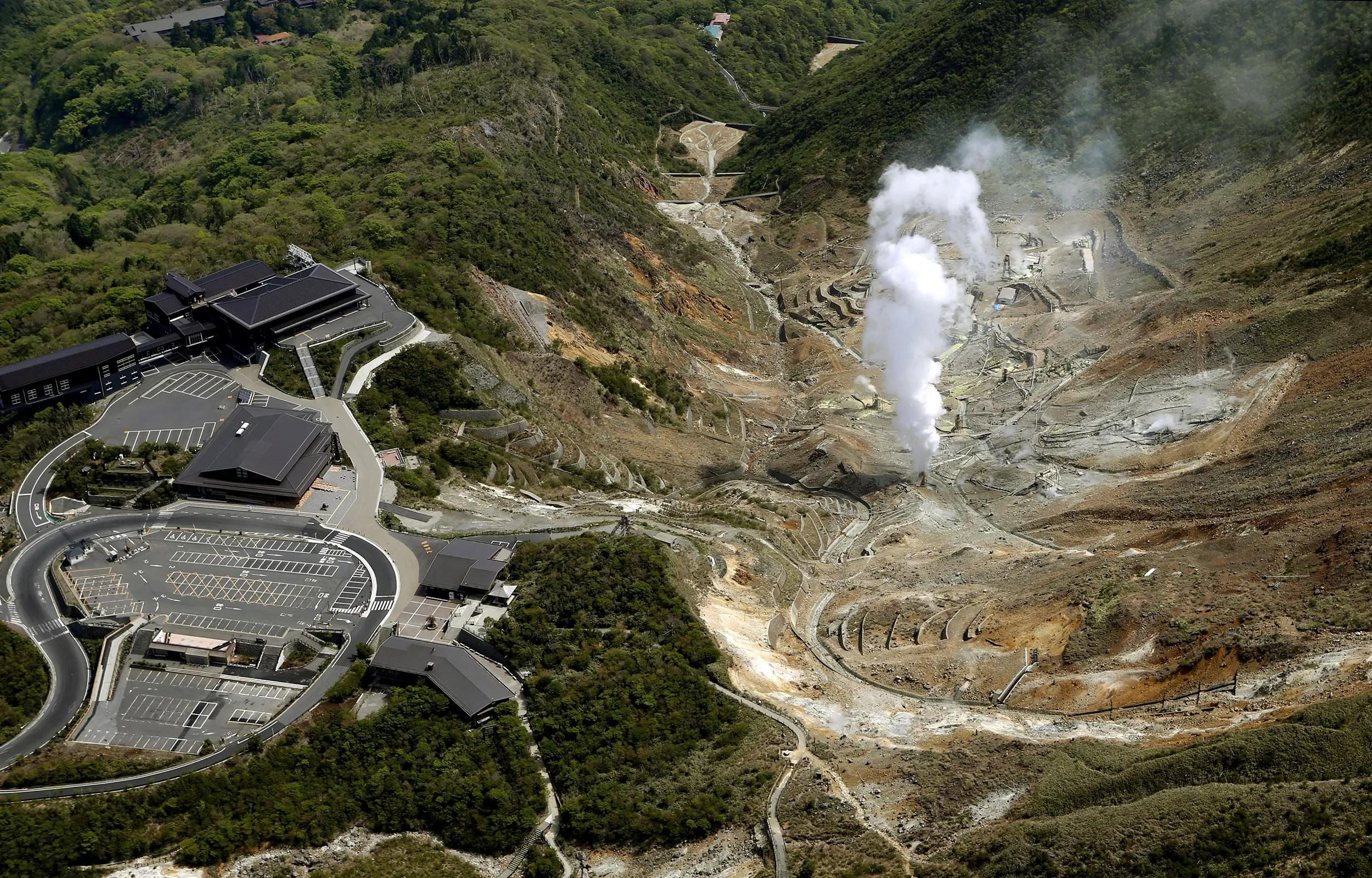 Alert Raised At Japan S Hakone As Earthquakes Continue
