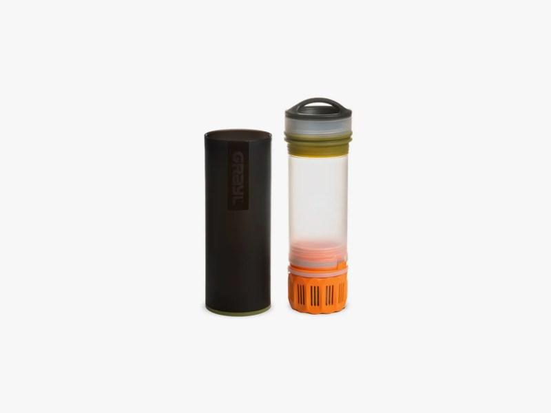L'immagine può contenere barattolo e cilindro shaker