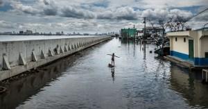 'After Us the Deluge' Menangkap Gambar Dunia yang Tenggelam