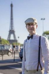 Klädd för middag på Seine.