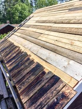 Första raden takspån på plats.