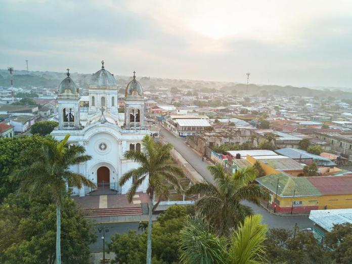 Living in a Nicaraguan city will set you back between $285 and $533 per month in rent.
