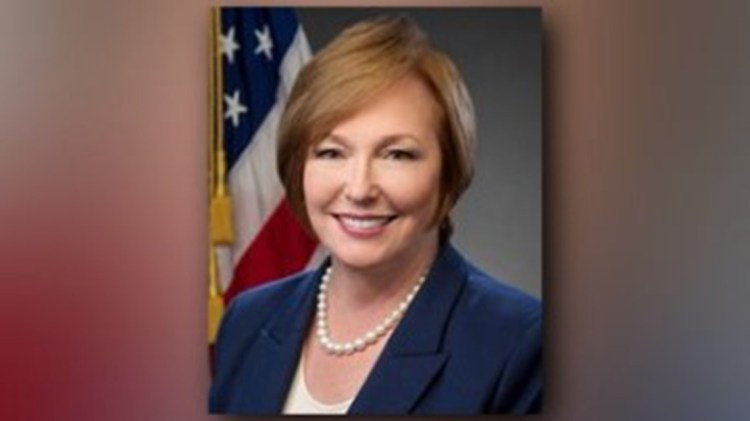 CDC director resigns after reports she bought and sold ...