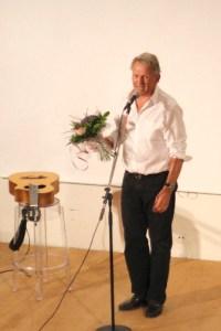 Mikael Neumann, stort proffs som fick människor till många glada skratt.