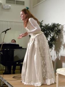 Emma Björkegren visade intensitet i sitt framträdande och gav prov på stortalang som sångartist