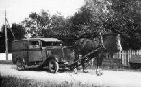 Hylens brödbil i Skanör under kriget