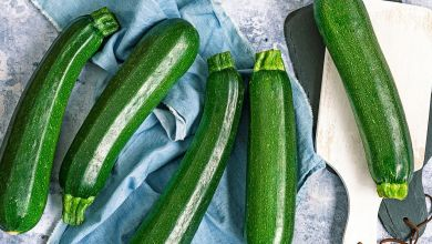 You Probably Want to Avoid Buying Large Zucchini the Next Time You Go Shopping