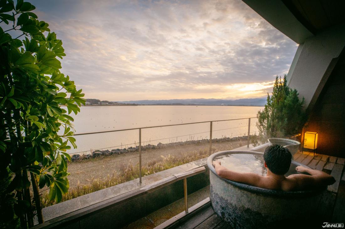金澤的度假勝地加賀片山津溫泉 看見山湖合一的絕景:佳水鄉溫泉旅館 - Yahoo奇摩旅遊
